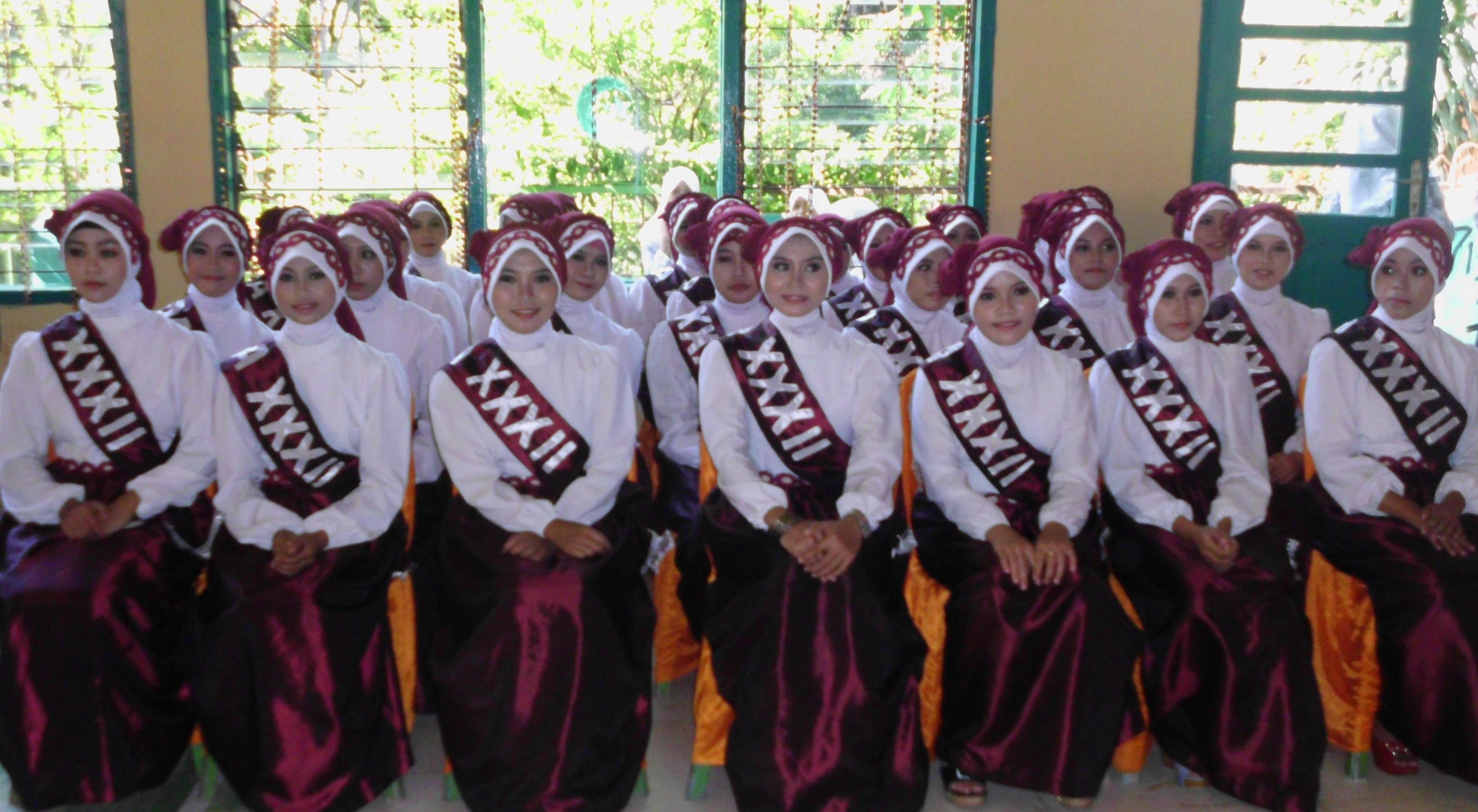 Wisuda Santriwati Ponpes Putri IMMIM Pangkep Angkatan 32
